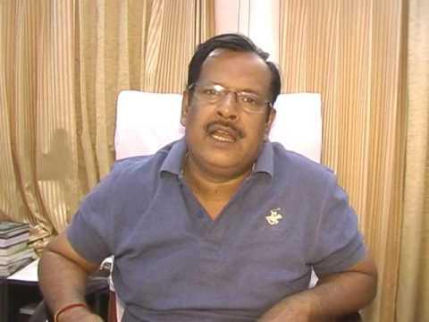 जौनपुर। जिलाधिकारी दिनेश सिंह ने बताया कि निजामुद्दीन मरकजी दिल्ली से जमात कर दिल्ली एवं नोएडा से बस द्वारा जौनपुर लौटे 50 लोगों को चिन्हित कर के शिया कालेज में रखा गया है जिनका स्वास्थ्य परीक्षण कराया जा रहा है। उन्होंने बताया कि मुख्य विकास अधिकारी अनुपम शुक्ला एवं अपर जिला अधिकारी राजस्व डा. सुनील वर्मा को निर्देश दिया गया है कि सभी लोगों का गहनता से जांच करें कि यह लोग किस-किस के सम्पर्क में आये हैं। उन्होंने कहा कि क्वारेंटाइन के सिद्धांत का पालन न करने वालों के विरुद्ध कार्यवाही सुनिश्चित करायी जायेगी।