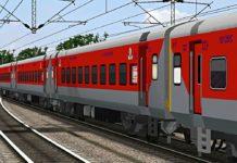 नई दिल्ली। कोरोना वायरस लॉकडाउन के बीच 12 मई से यात्रियों की सुविधा के लिए भारतीय रेलवे ने 30 जोड़ी स्पेशल ट्रेनों को संचालित कर रही है। रेल सेवा बहाल होने के बाद बुधवार को नई दिल्ली पहुंची पहली ट्रेन से गुजरात, राजस्थान, बिहार और मुंबई से सैकड़ों यात्री यहां पहुंचे और आगे की यात्रा के लिए स्टेशन के बाहर परिवहन के साधन तलाशते नजर आए। ट्रेन मंगलवार को शाम साढ़े छह बजे अहमदाबाद से रवाना हुई और सुबह आठ बजे नई दिल्ली पहुंची। वहीं अन्य राज्यों से भी ट्रेनें मंगलवार शाम को दिल्ली के लिए रवाना हुईं जो बुधवार सुबह नई दिल्ली रेलवे स्टेशन पहुंची।भारतीय रेलवे ने 12 मई से यात्री ट्रेन सेवाओं को बहाल किया है जो कोरोना वायरस के कारण लगाए लॉकडाउन के कारण कई हफ्तों से बंद चल रही थीं। कई यात्री रेलवे स्टेशन के बाहर खड़े रहे जबकि कुछ स्थानीय कैब चालकों को विभिन्न राज्यों में उनके घरों तक ले जाने के लिए मनाने की कोशिश करते दिखे। जयपुर के एक होटल में काम करने वाले 14 लोगों का समूह भी ऐसी ही परेशानी में घिरा रहा। उत्तराखंड में खटीमा के अशोक टम्टा (22) ने कहा कि उन्हें कोई अंदाजा नहीं है कि वह कैसे अपने घर पहुंचेंगे। टम्टा की आठ अप्रैल की शादी थी। उन्होंने बताया कि जयपुर के जिस होटल में वह काम करता था वह बंद हो गया जिससे वह बेरोजगार हो गया। उसने कहा कि हमारे पास वापसी के अलावा कोई विकल्प नहीं था। जब ट्रेन सेवाएं बहाल हुई तो हमने एक बार सोचा भी नहीं और टिकट बुक करा लिया तथा यात्रा के लिए तैयार हो गए। पिथौरागढ़ के उसके दोस्त और सहकर्मी दीपक कुमार ने कहा कि अगर उन्हें परिवहन का कोई साधन नहीं मिला तो वह सड़कों पर सोएंगे और पैदल चलकर अपने गृह राज्य पहुंचेंगे। जयपुर में काम करने वाले चेन्नई के तीन लोगों का समूह भी इनमें से एक था जो स्टेशन के बाहर इंतजार कर रहा था। फुरकान (26) ने बताया कि सड़क पर बाहर इंतजार करने के अलावा उनके पास कोई विकल्प नहीं है। सिर्फ इतनी राहत है कि आसमान में बादल छाए हैं। उसके दोस्त गिलानी (26) ने बताया कि उन्होंने बीती रात भोजन किया था और अब उनके पास खाने को कुछ नहीं है। उन्होंने कहा कि हालात मुश्किल होते जा रहे हैं लेकिन हमें भरोसा है कि हम अपने घर पहुंच जाएंगे। यात्रियों ने बताया कि रवाना होने और यहां पहुंचने के दौरान उनकी जांच की गई तथा अधिकारियों ने यह सुनिश्चित किय