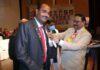 सर्वाधिक पढ़ा जानें वाला जौनपुर का नं. 1 न्यूज पोर्टल इण्टरनेशनल प्रेसिडेंशियल अवार्ड से मुस्तफा हुये सम्मानित | #TejasToday जौनपुर। लायन्स क्लब जौनपुर के वरिष्ठ सदस्य सैय्यद मोहम्मद मुस्तफा को उनके उत्कृष्ट सेवा कार्यों के लिए लायन्स क्लब इंटरनेशनल प्रेसिडेंशियल अवार्ड 2019-20 से सम्मानित किया गया। इस अवार्ड की घोषणा लायन्स क्लब के मुख्यालय अमेरिका में इंटरनेशनल प्रेसिडेंट जूंग युल चोई द्वारा किया गया। उक्त अवार्ड को प्रयागराज में मण्डल के कार्यक्रम में इंटरनेशनल डायरेक्टर जेपी सिंह, पूर्व इन्टरनेशनल डायरेक्टर डा. जगदीश गुलाटी, मल्टिपल काउंसिल चेयरमैन डा. क्षितिज शर्मा, इंटरनेशनल डायरेक्टर इंडोरसी जितेन्द्र सिंह चौहान ने सै. मोहम्मद मुस्तफा को प्रदान किया जिसके अन्तर्गत मेडल व प्रशस्ति-पत्र से सम्मानित किया गया। अवार्ड लेकर जौनपुर पहुंचने पर संस्था के सदस्यों ने मो. मुस्तफा का स्वागत किया जहां मल्टिपल काउंसिल चेयरमैन डा. क्षितिज शर्मा ने कहा कि मुस्तफा सदैव समर्पित होकर कार्य करते हैं। उनकी कड़ी मेहनत और समाज के लिए की गई सेवाएं व सद्भाव के लिए किया गया प्रयास दुनिया के लिए एक उदाहरण है। इसी क्रम में दिनेश टंडन पूर्व अध्यक्ष नगर पालिका परिषद ने कहा कि यह लायन्स परिवार के साथ पूरे जौनपुर के लिए गर्व की बात है। इस अवसर पर लायन्स क्लब जौनपुर अध्यक्ष सोना बैंकर, सचिव अनिल गुप्ता, रीजन चेयरमैन अशोक मौर्य, जोन चेयरमैन रामकुमार साहू, शत्रुघ्न मौर्य, सुरेश चन्द्र गुप्ता, लायनेस अध्यक्ष प्रीति गुप्ता, डा. वीएस उपाध्याय, डा. अजीत कपूर, डा. एनके सिन्हा, डा. मदन मोहन वर्मा, डा. विकास रस्तोगी, अनिल वर्मा, सोमेश्वर केसरवानी, अरुण त्रिपाठी, मनोज चतुर्वेदी, राकेश श्रीवास्तव, शकील अहमद, राजेन्द्र कपूर आदि उपस्थित रहे।